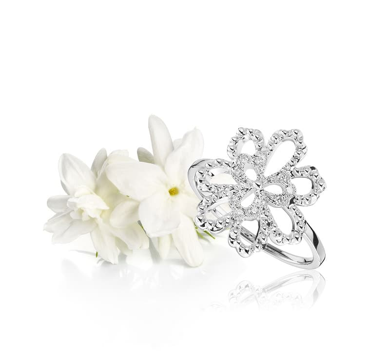 Bague My Secret Garden Or Blanc 18K Perlée Diamants avec un jasmin